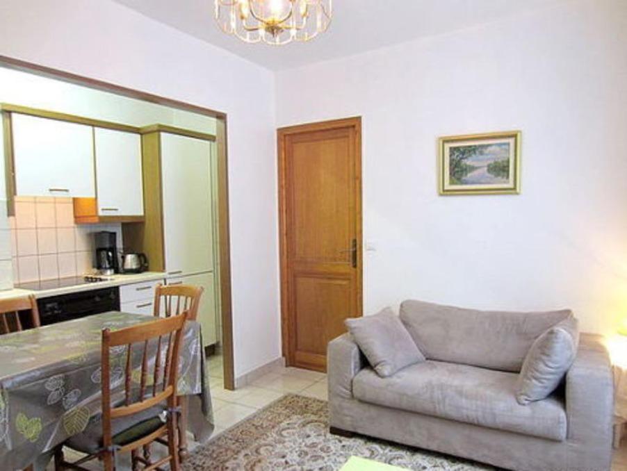 a louer appartement avec parking p2 montpellier 35 m 480. Black Bedroom Furniture Sets. Home Design Ideas