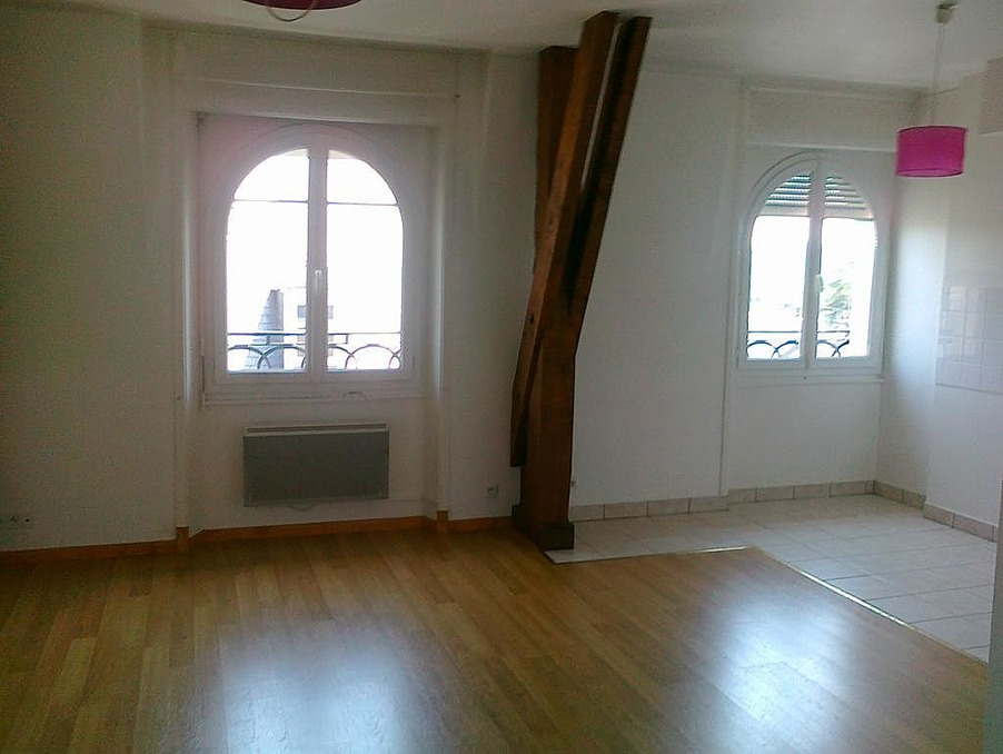 Location Appartement USSEL  392 €