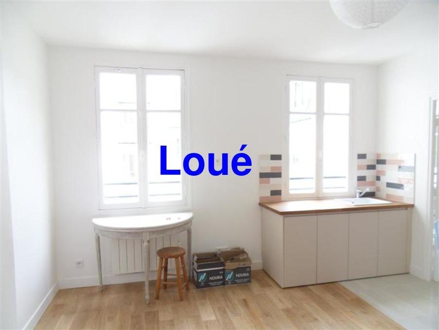 Location Appartement PARIS 8EME ARRONDISSEMENT  890 €