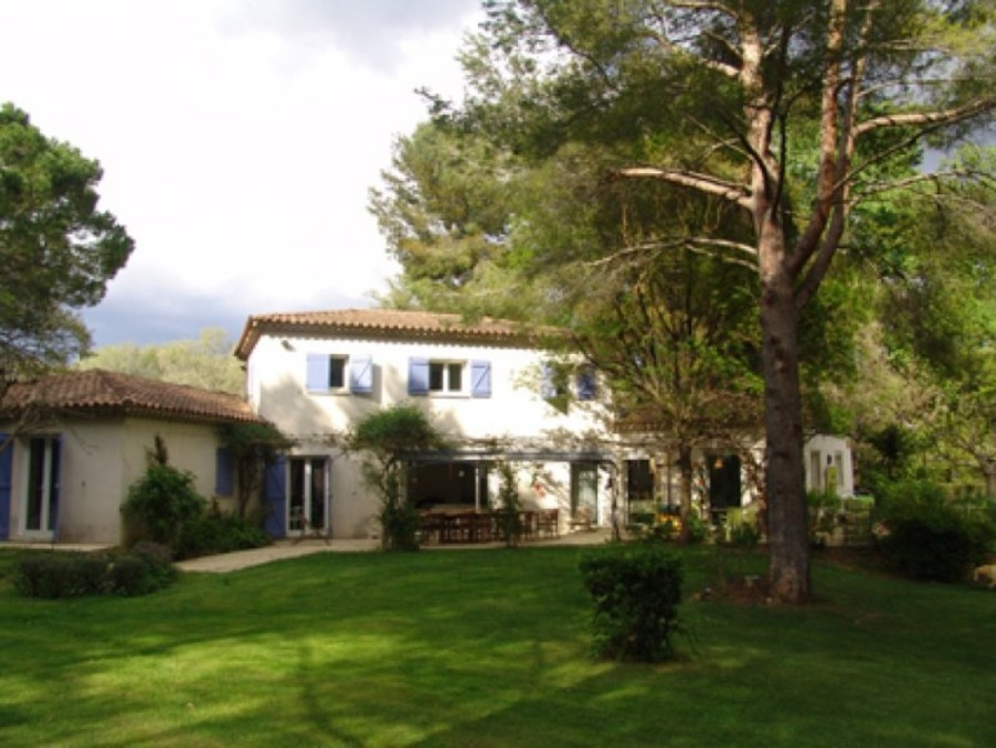 Location Maison Aix En Provence 3 900 €