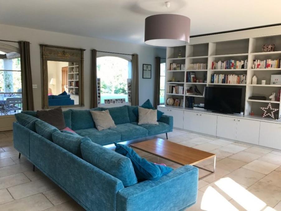 Location Maison Le Puy Sainte Reparade 4 850 €