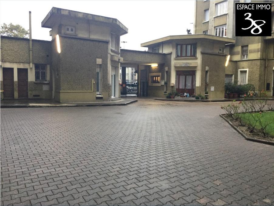 vente appartement s jour 15 m t2 grenoble 47 m 98000. Black Bedroom Furniture Sets. Home Design Ideas
