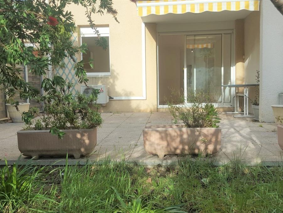 Location Appartement  avec terrasse  PLAN DE CUQUES 1 000 €
