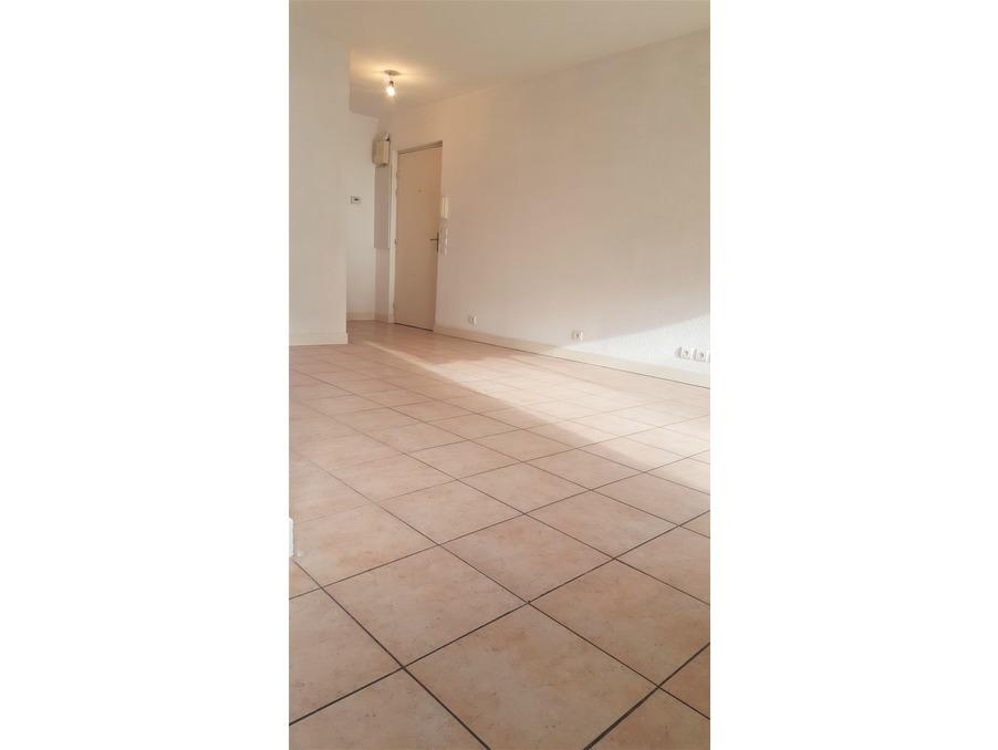 Location Appartement PLAN DE CUQUES 3