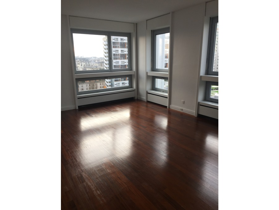Location Appartement PARIS 15EME ARRONDISSEMENT 2 300 €