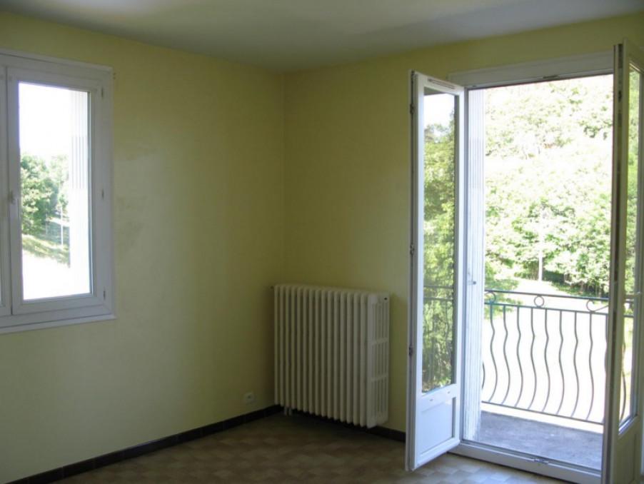Location Appartement LANGOGNE  420 €