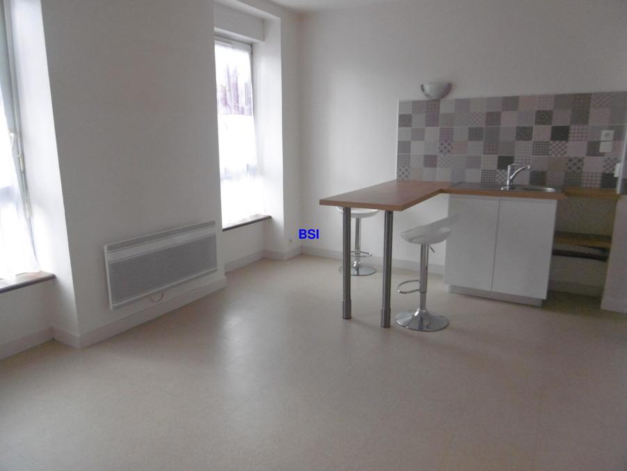 Location Appartement BREST  370 €