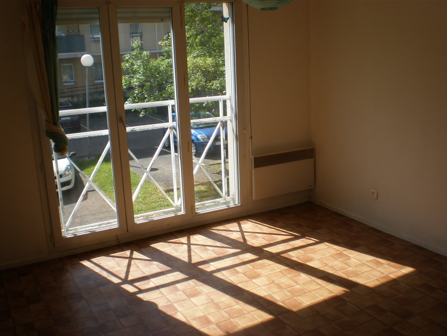 Location Appartement METZ  350 €
