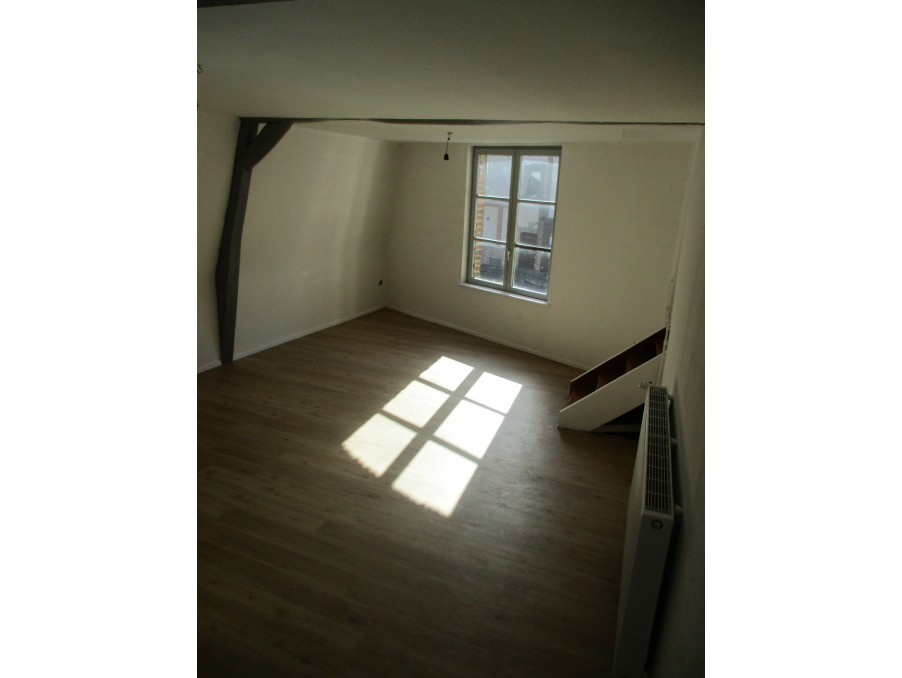 Location Appartement HESDIN  320 €