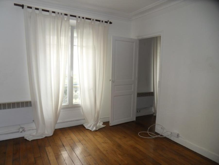 Location Appartement PARIS 18EME ARRONDISSEMENT  922 €