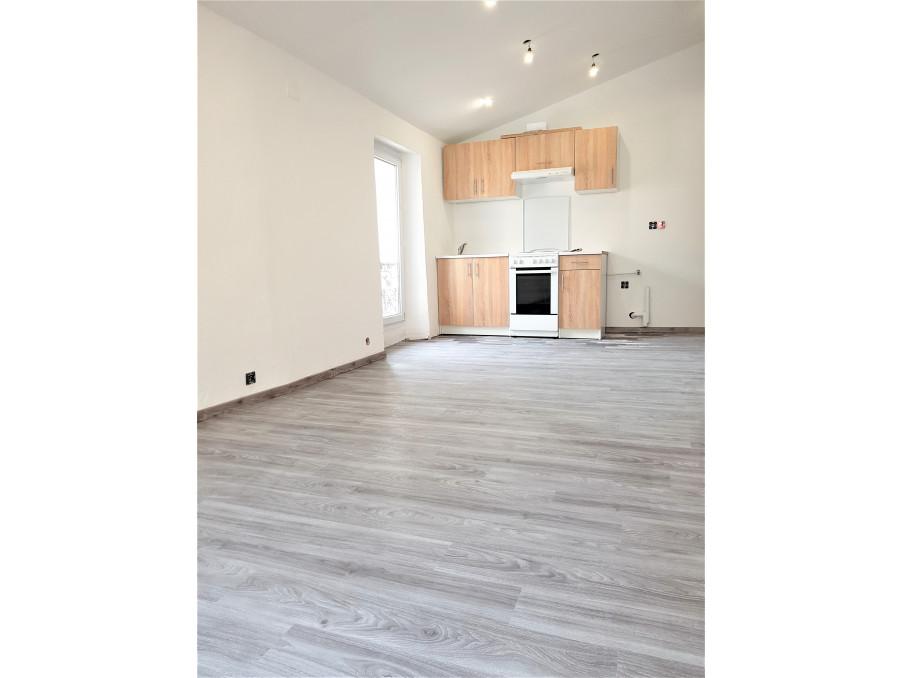 Location Appartement  séjour 18 m²  ALLAUCH  580 €