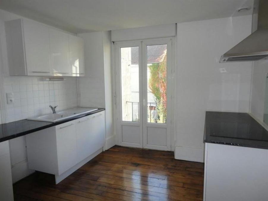 Location Appartement CHAUMONT  700 €