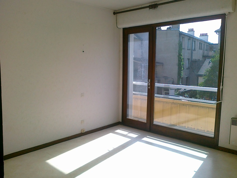 Location Appartement USSEL  442 €
