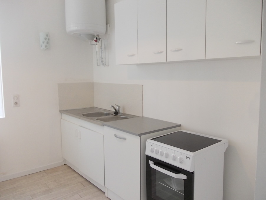 Location Appartement Ussel  342 €