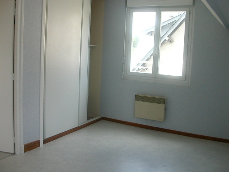 Location Appartement USSEL  412 €