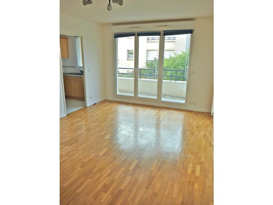 Location Appartement GUYANCOURT  855 €