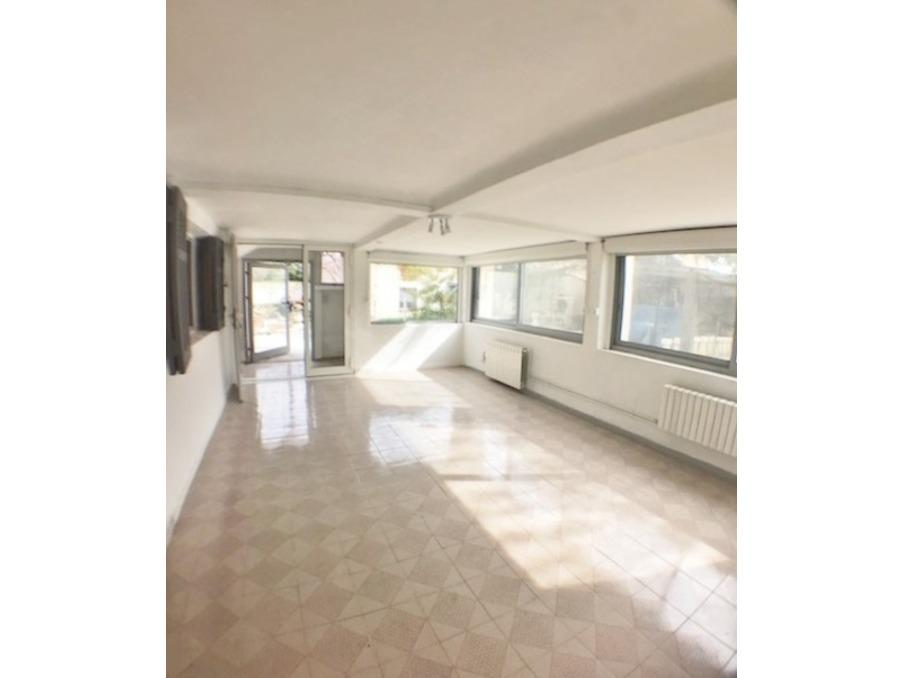 Location Appartement PLAN DE CUQUES  790 €