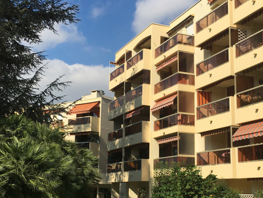 Vente Appartement  GOLFE JUAN  303 700 €