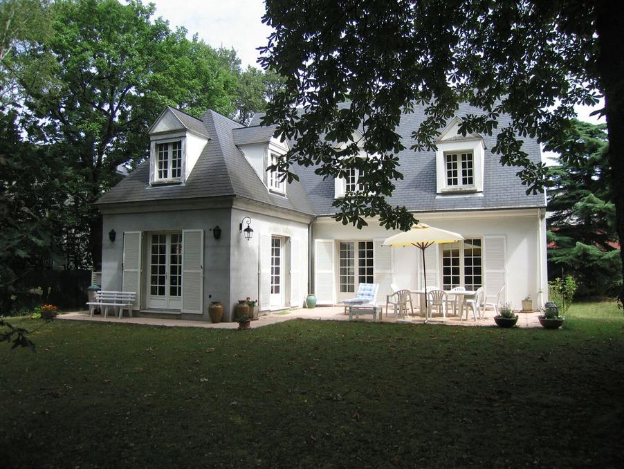 Vente Maison  avec terrasse  LE VESINET 1 140 000 €