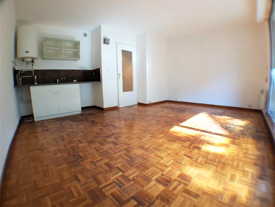 Location Appartement MARSEILLE 12EME ARRONDISSEMENT  490 €
