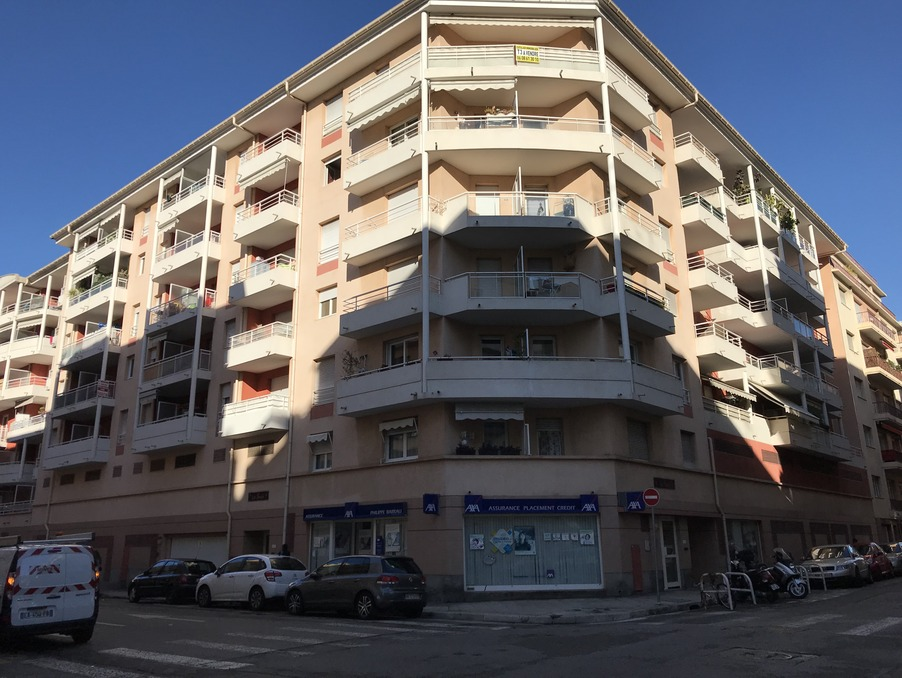 Location Appartement NICE  520 €