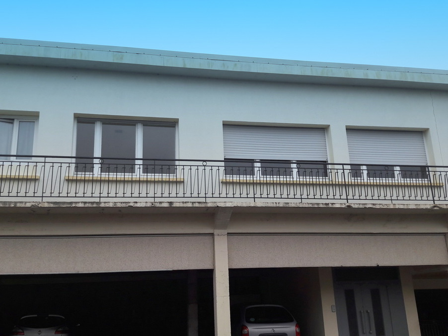 Location Appartement PLOUMAGOAR  460 €