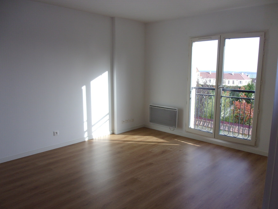Location Appartement THOIRY  732 €