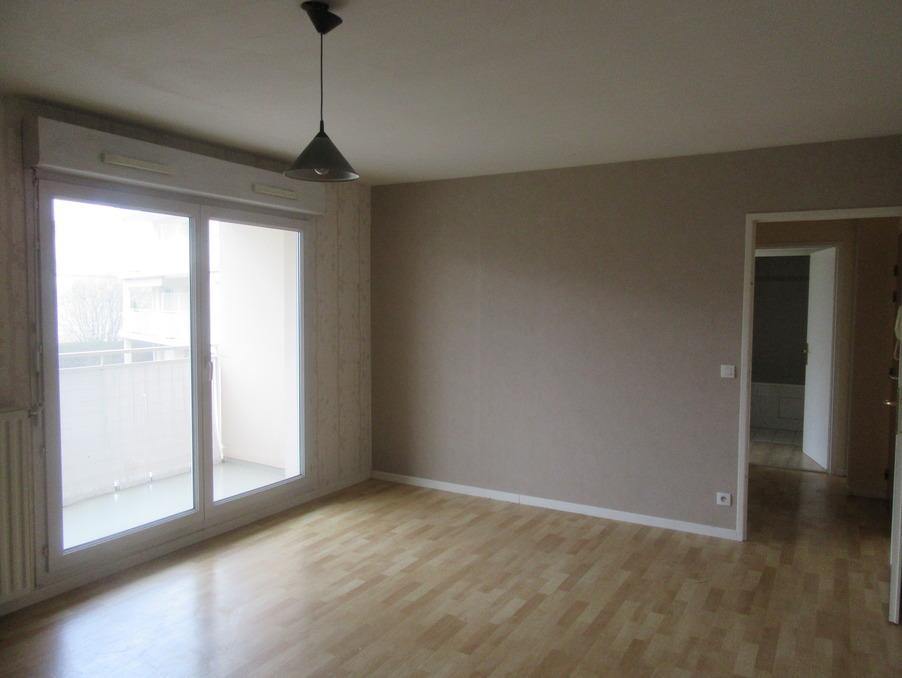 Location Appartement GUYANCOURT  835 €
