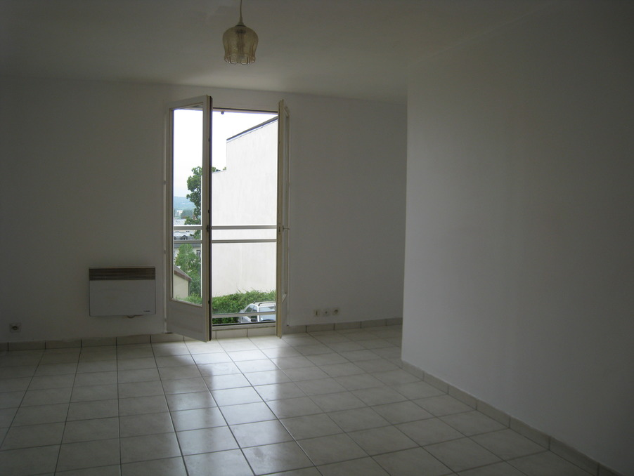 Location Appartement ST CYR L ECOLE  540 €