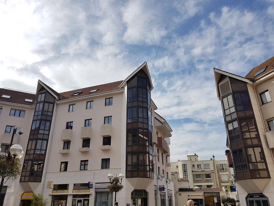 Location Appartement ENGHIEN LES BAINS 1 350 €