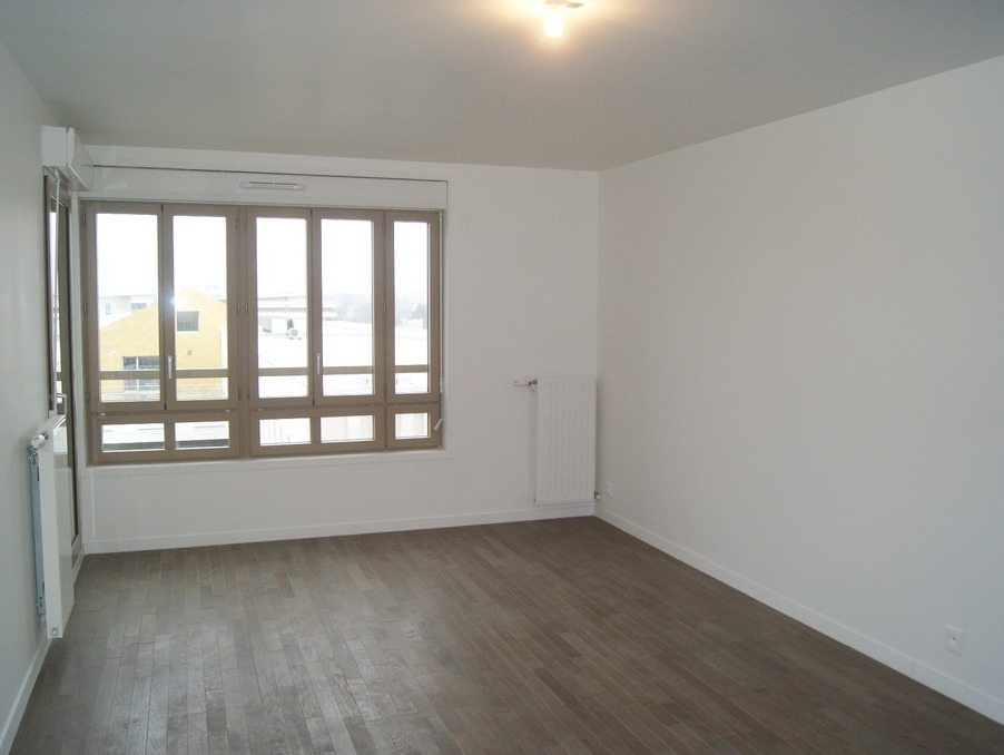 Location Appartement ST CYR L ECOLE  925 €