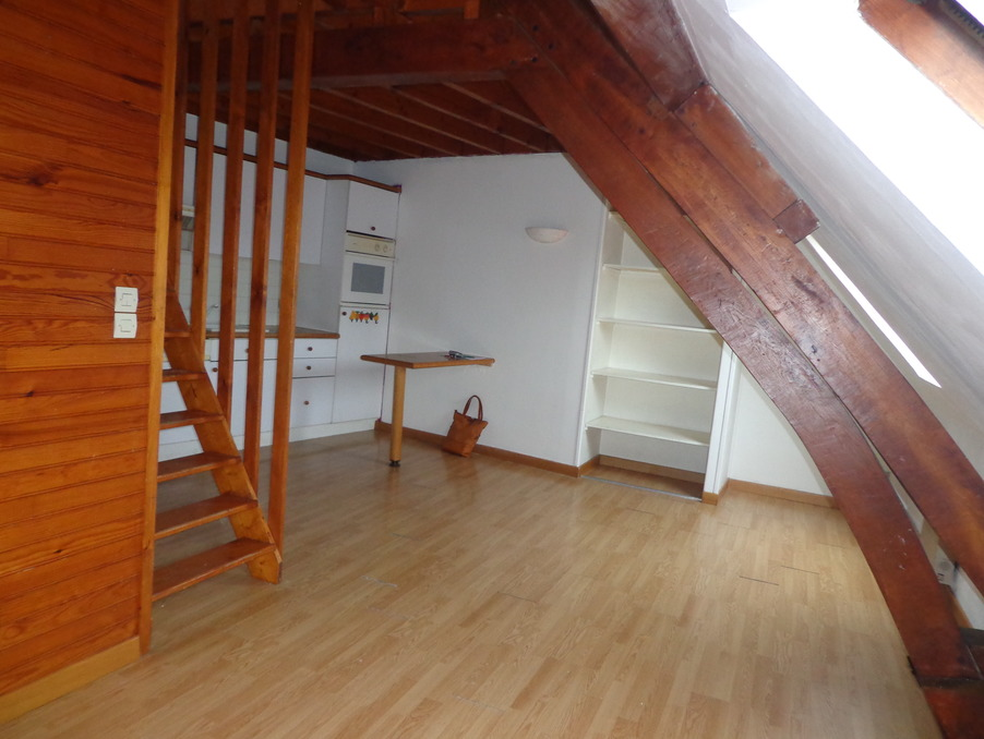 Location Appartement HESDIN  358 €