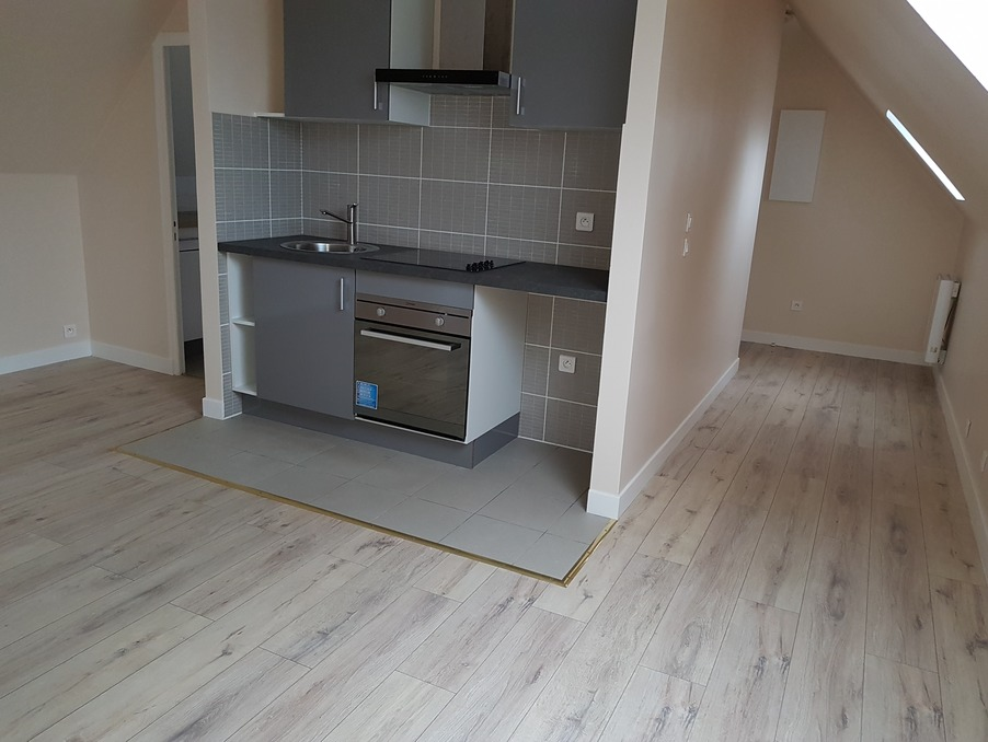 Location Appartement   780 €