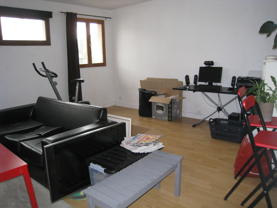 Location Appartement ST CYR L ECOLE  570 €