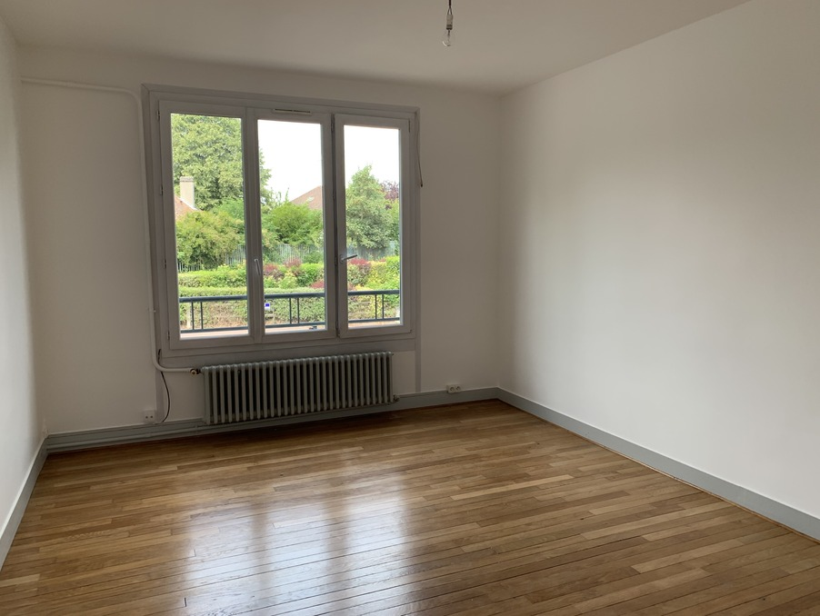 Location Appartement ST CYR L ECOLE 3