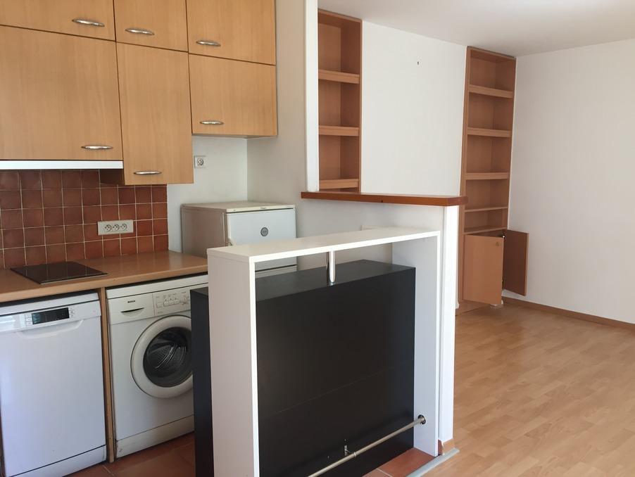 Location Appartement VERSAILLES  850 €