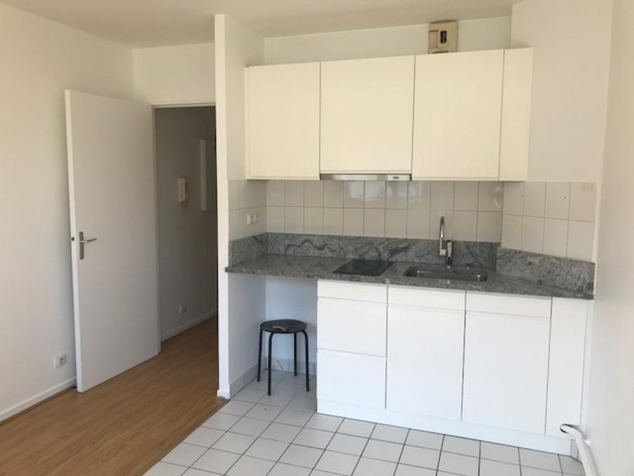 Location Appartement MONTROUGE  820 €