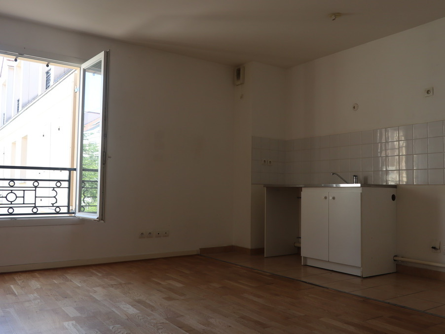 Location Appartement TAVERNY  765 €