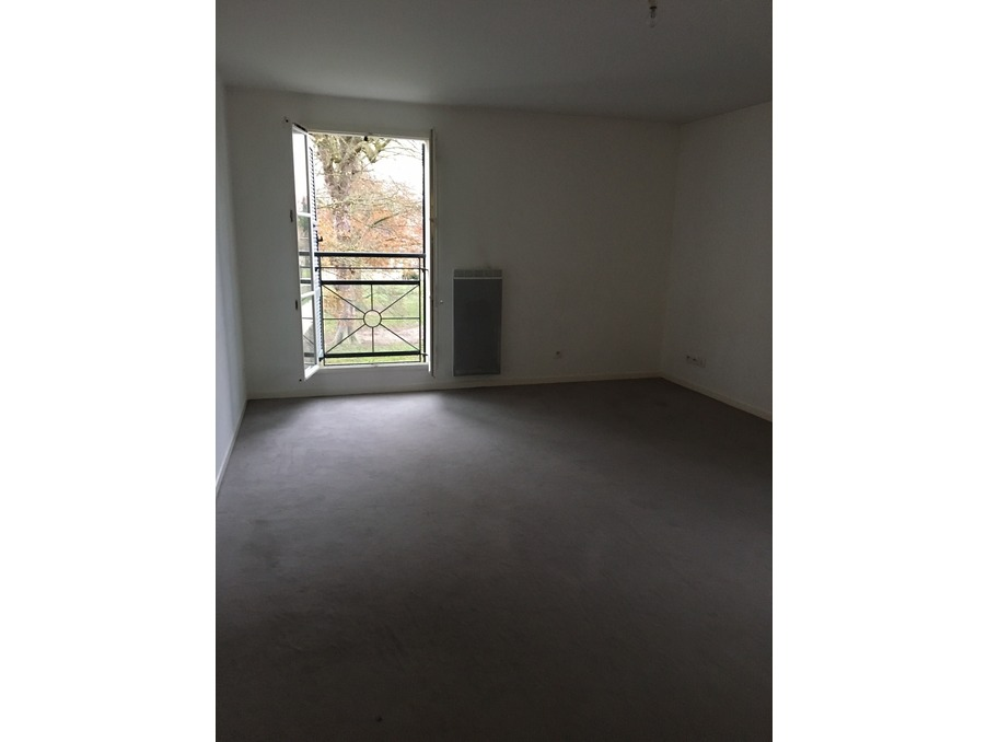 Location Appartement TAVERNY  950 €