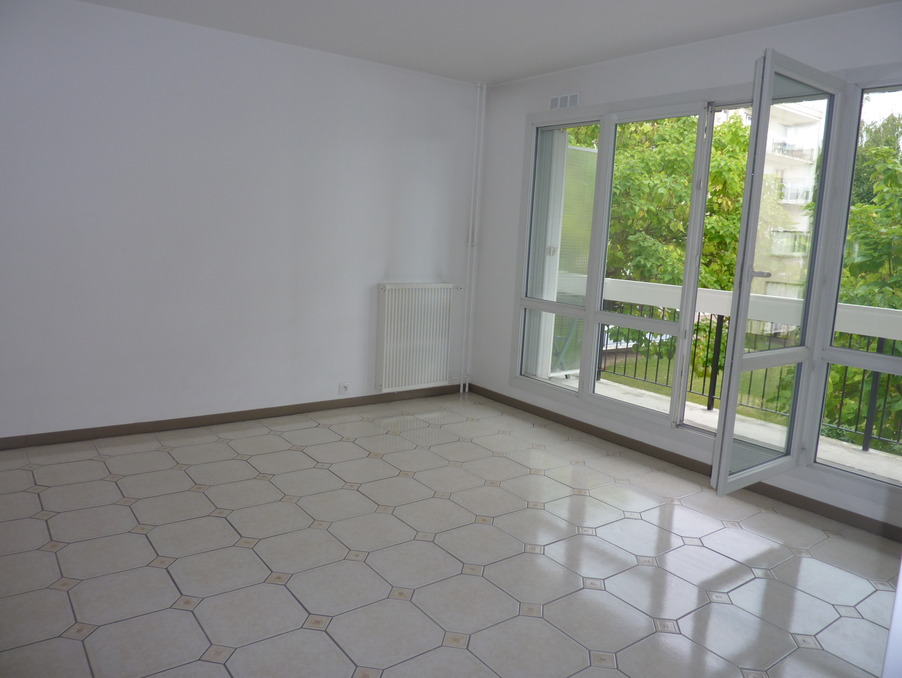 Location Appartement TAVERNY  800 €