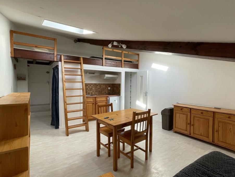 Location Appartement  SAINTES  390 €