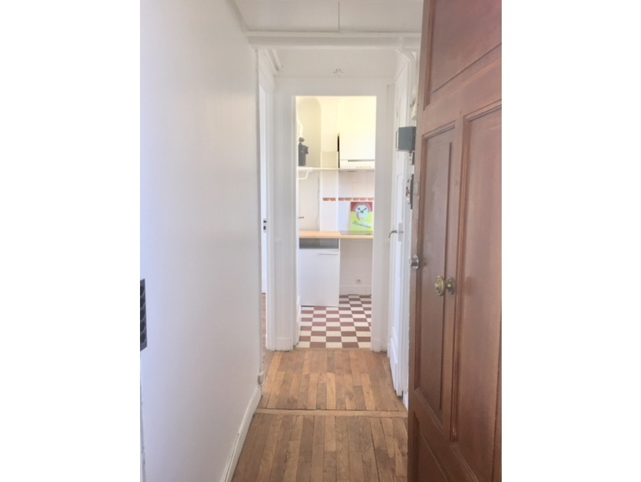 Location Appartement PARIS 17EME ARRONDISSEMENT  840 €