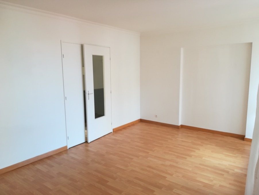 Location Appartement GUYANCOURT 2