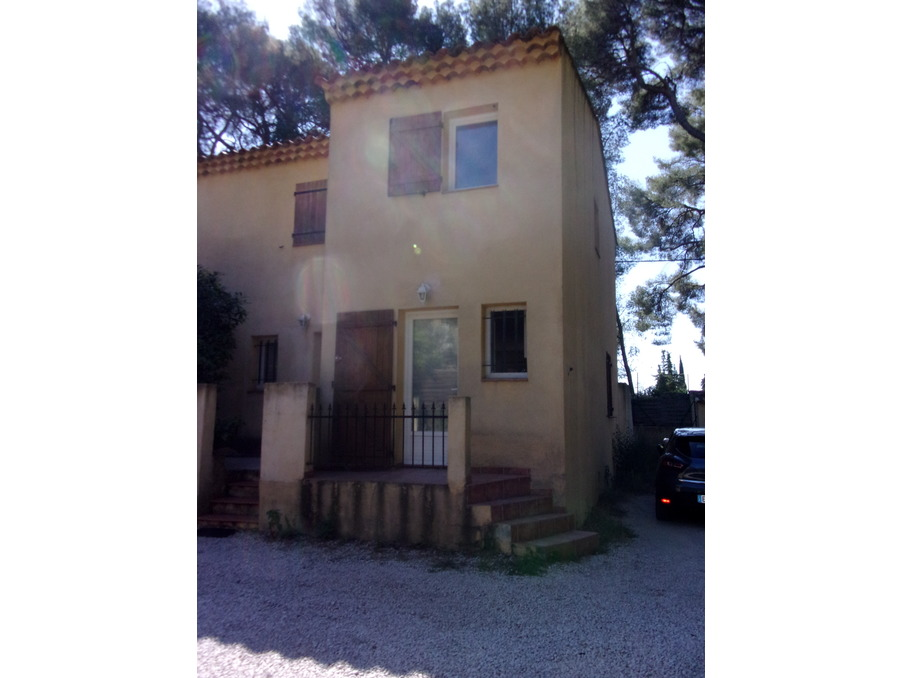 Location Maison  1 chambre  LA CIOTAT  825 €