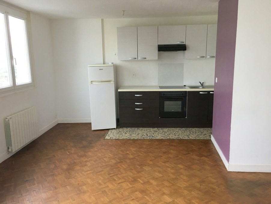 Location Appartement GUINGAMP  317 €