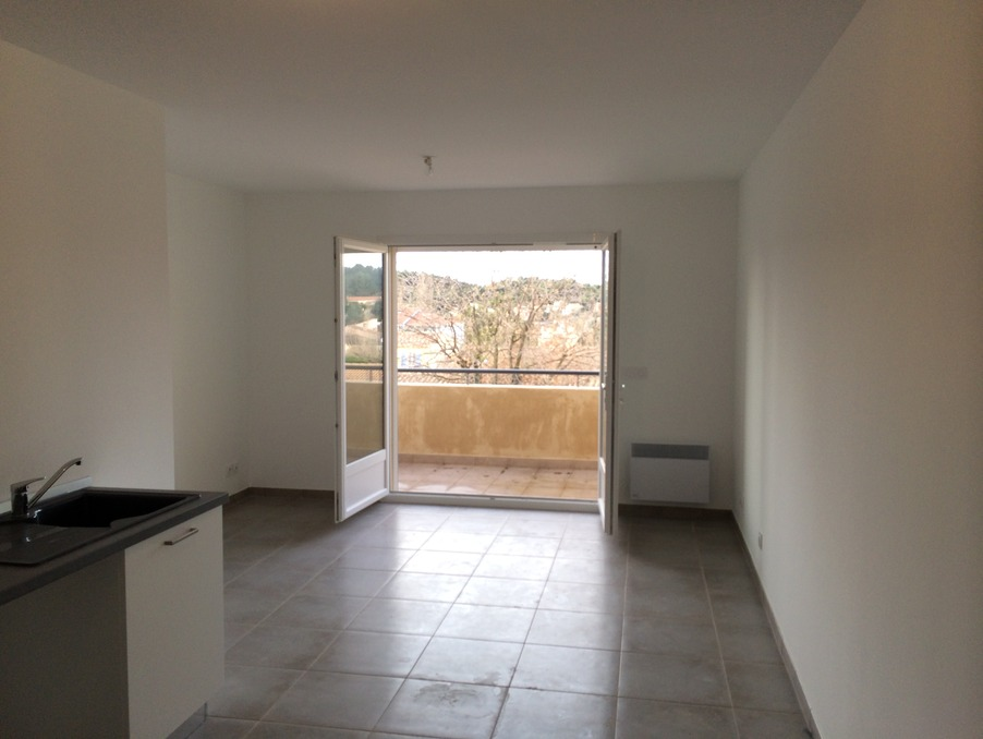 Location Appartement BOUC BEL AIR  690 €