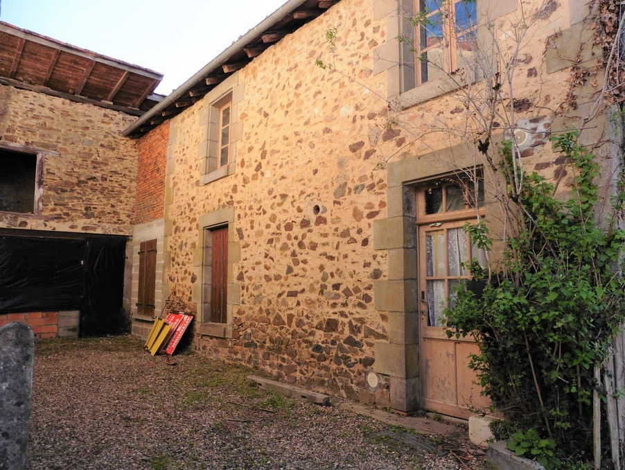 Vente Maison  2 chambres  MASSIGNAC 28 000 €