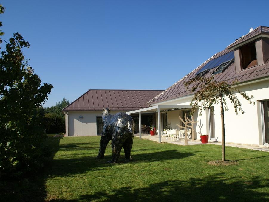 Vente Maison  avec jardin  CLAIREGOUTTE  950 000 €