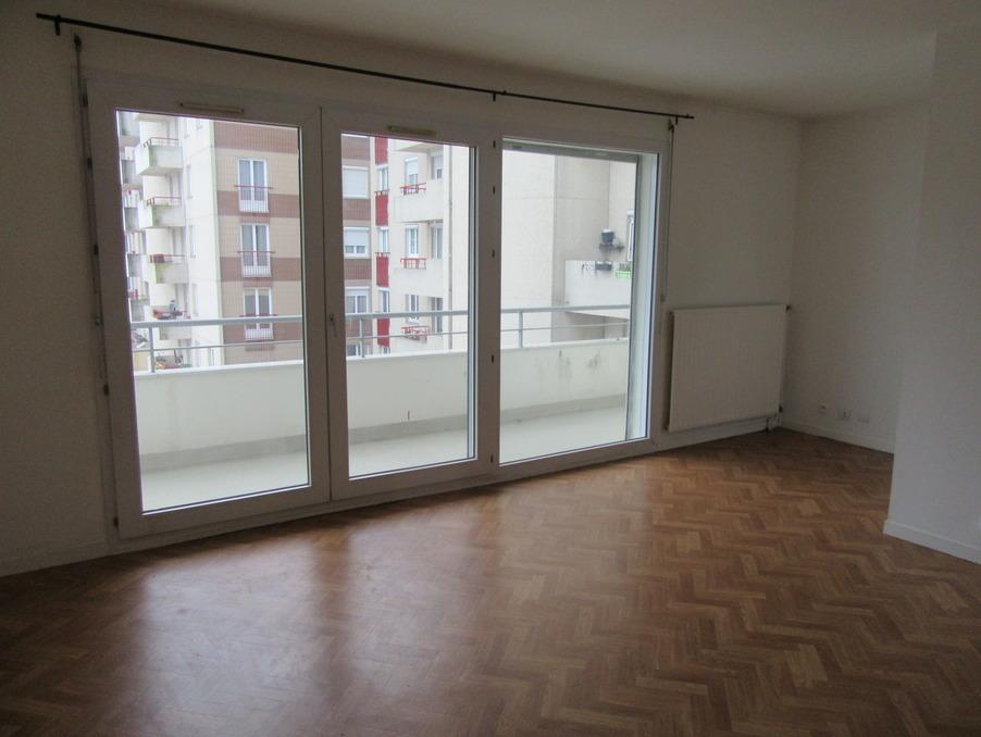 Location Appartement Montigny le bretonneux  980 €