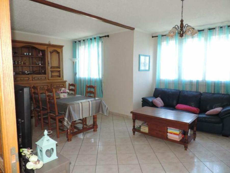 Vente Appartement  avec balcon  CHENOVE  106 000 €